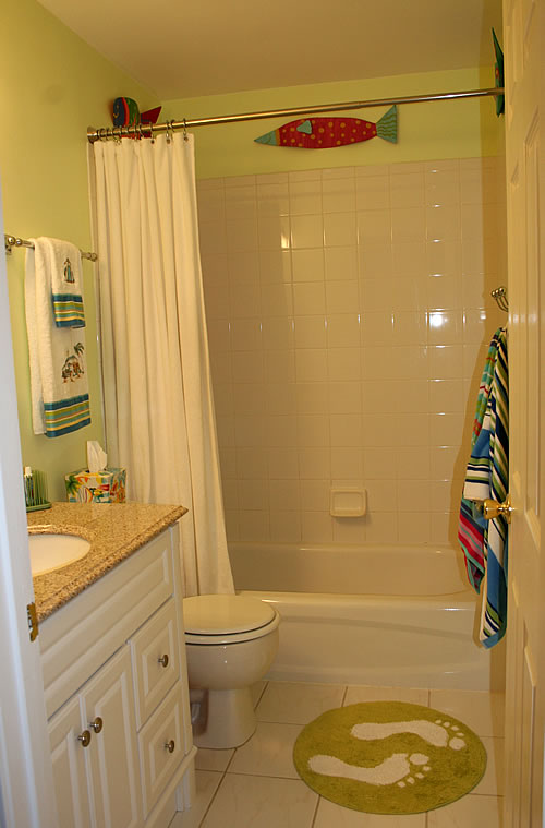 a small bathroom work 13339