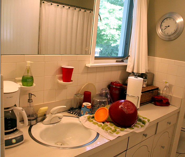 """Bathroom turned kitchen during a renovation (""""B-itchen"""")"""