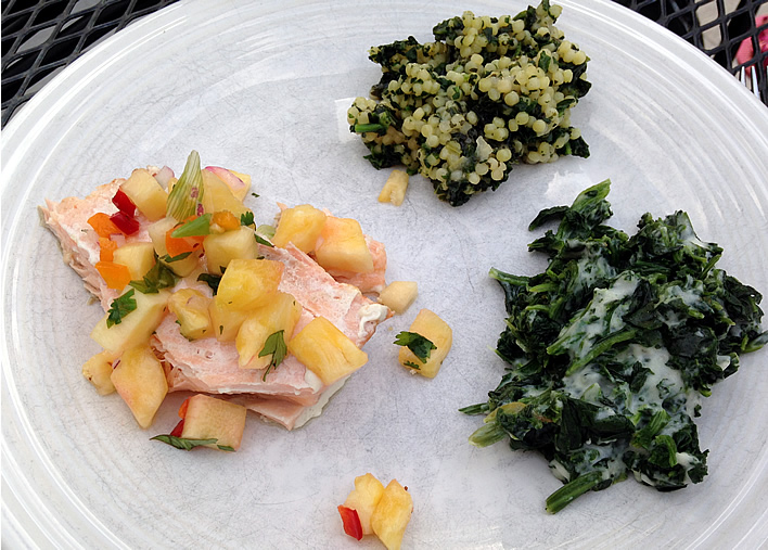 Salmon with pineapple salsa