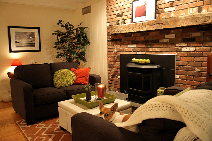 Room Transitions - Family room, kitchen, sun room #yourhomeonlybetter