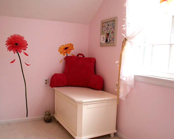 Pink and Yellow Bedroom |