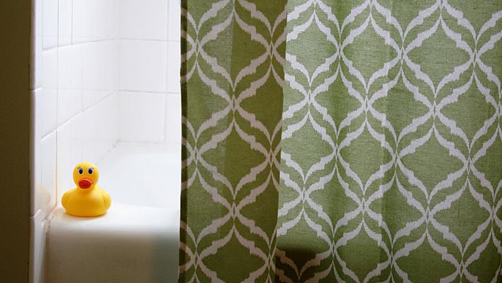 How to Fake a Bathroom Renovation #interior design #yourhomeonlybetter #diy