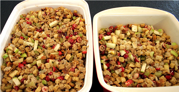 Cranberry Apple Cornbread Stuffing #Thanksgiving #Recipe @Yourhomeonlybetter
